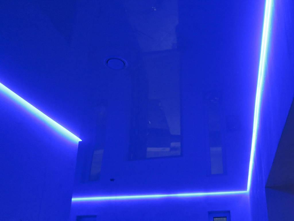 Парящий потолок от производителя Ремонтофф. Ремонт и отделка квартир под ключ.