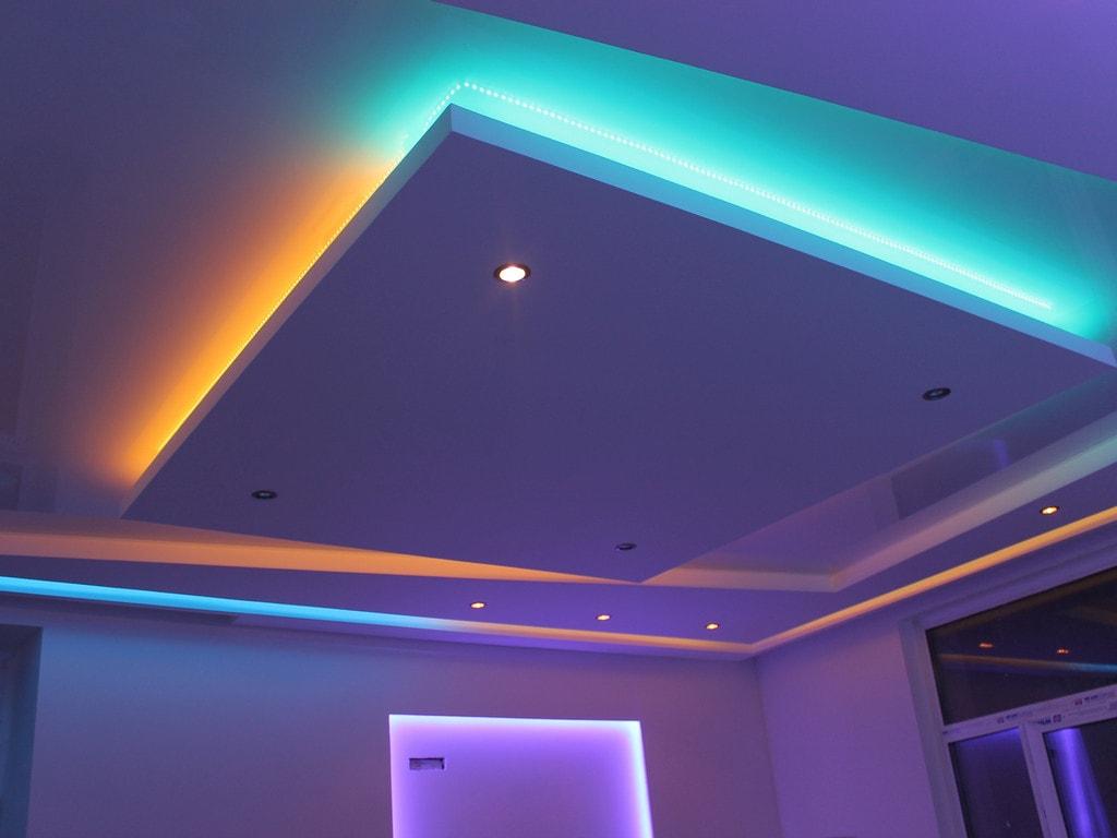 Натяжные потолки с подсветкой фото Ремонтофф. Ремонт и отделка квартир под ключ.
