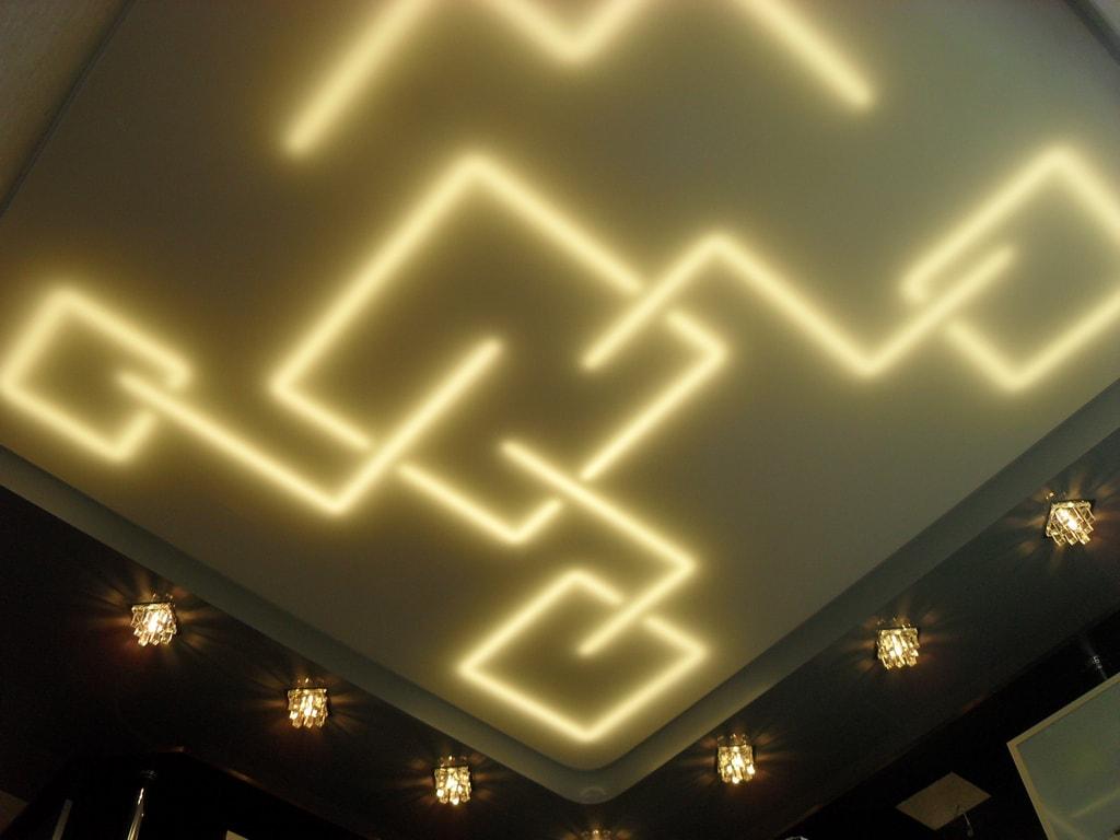 Потолки с подсветкой от производителя Ремонтофф. Ремонт и отделка квартир под ключ.