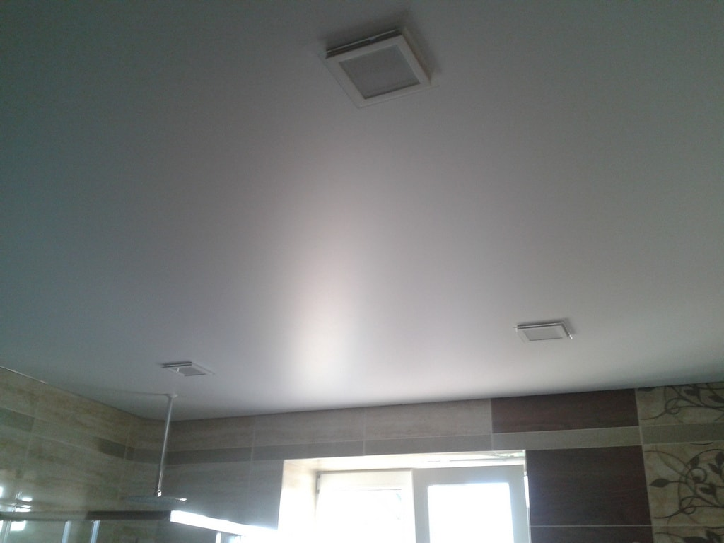 Сатиновые натяжные потолки цена от производителя Ремонтофф. Ремонт и отделка квартир под ключ.