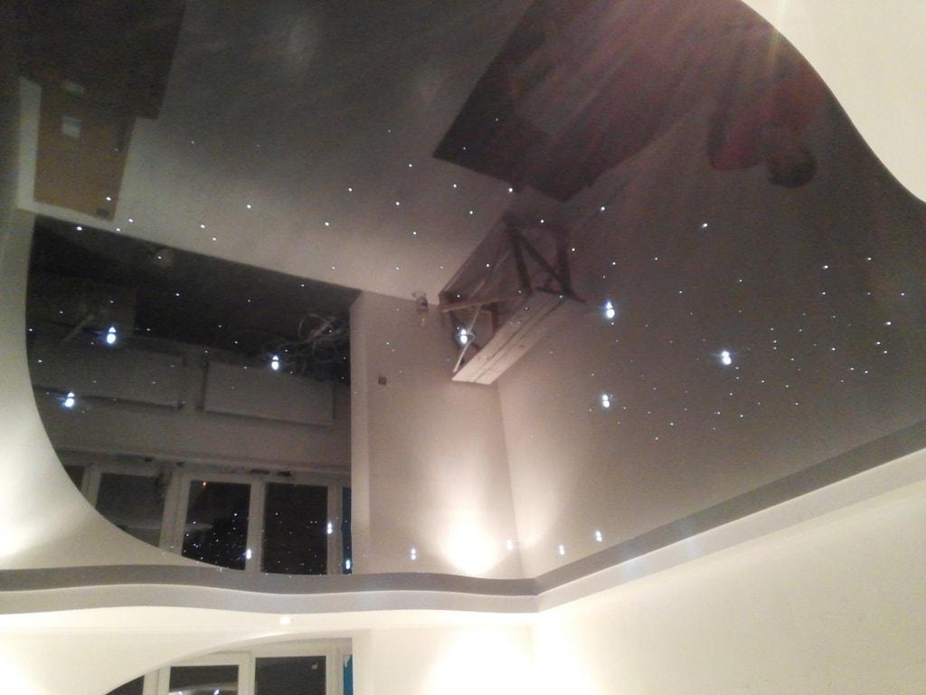 Звездный потолок фото от производителя Ремонтофф. Ремонт и отделка квартир под ключ.